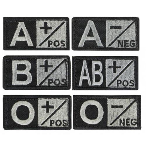 Badge groupe sanguin 2.5 x 5cm noir